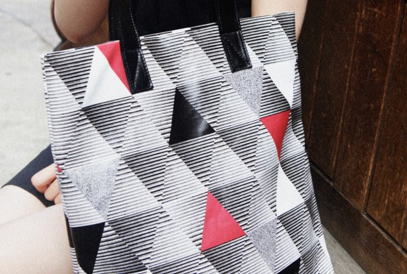 Shopper, in Red Triangle Print