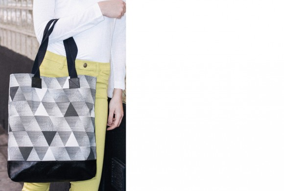 Shopper, Mint Triangle Print