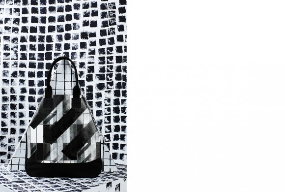 Small Triangle Bag, Black Window Print